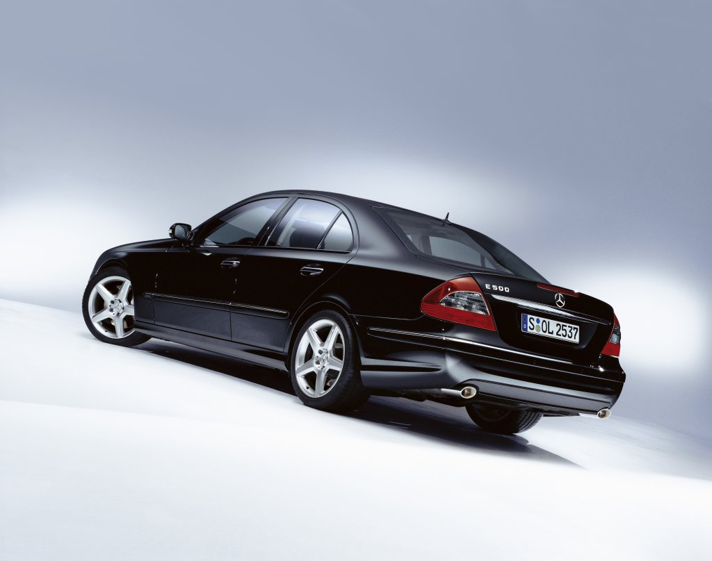 Mercedes styling mercedes tuning mercedes benz tuning e for Mercedes benz e350 aftermarket parts